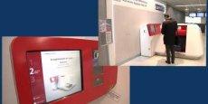 L'un des cinq automates BAGXpress d'enregistrement des bagages en libre-service déjà opérationnels à Orly. Dès la carte d'embarquement scannée, le bagage est pesé, identifié par code-barres et envoyé vers l'avion. / DR