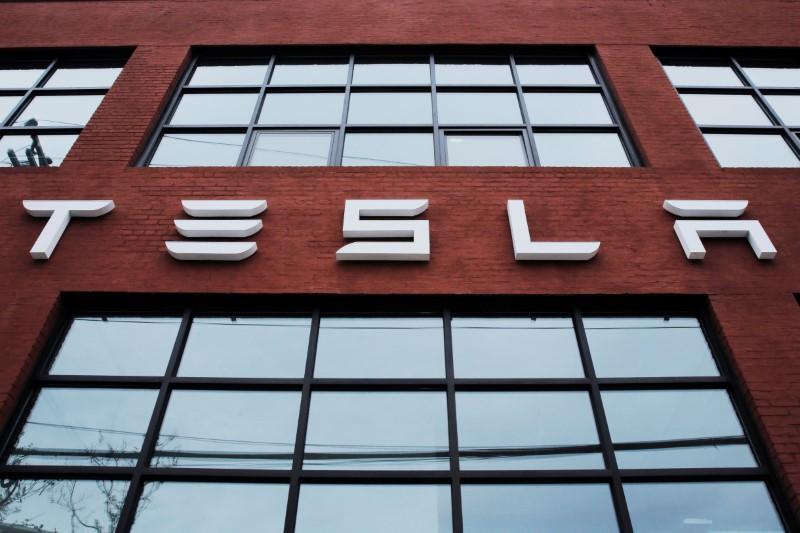 Tesla demande des ristourne à ses fournisseurs