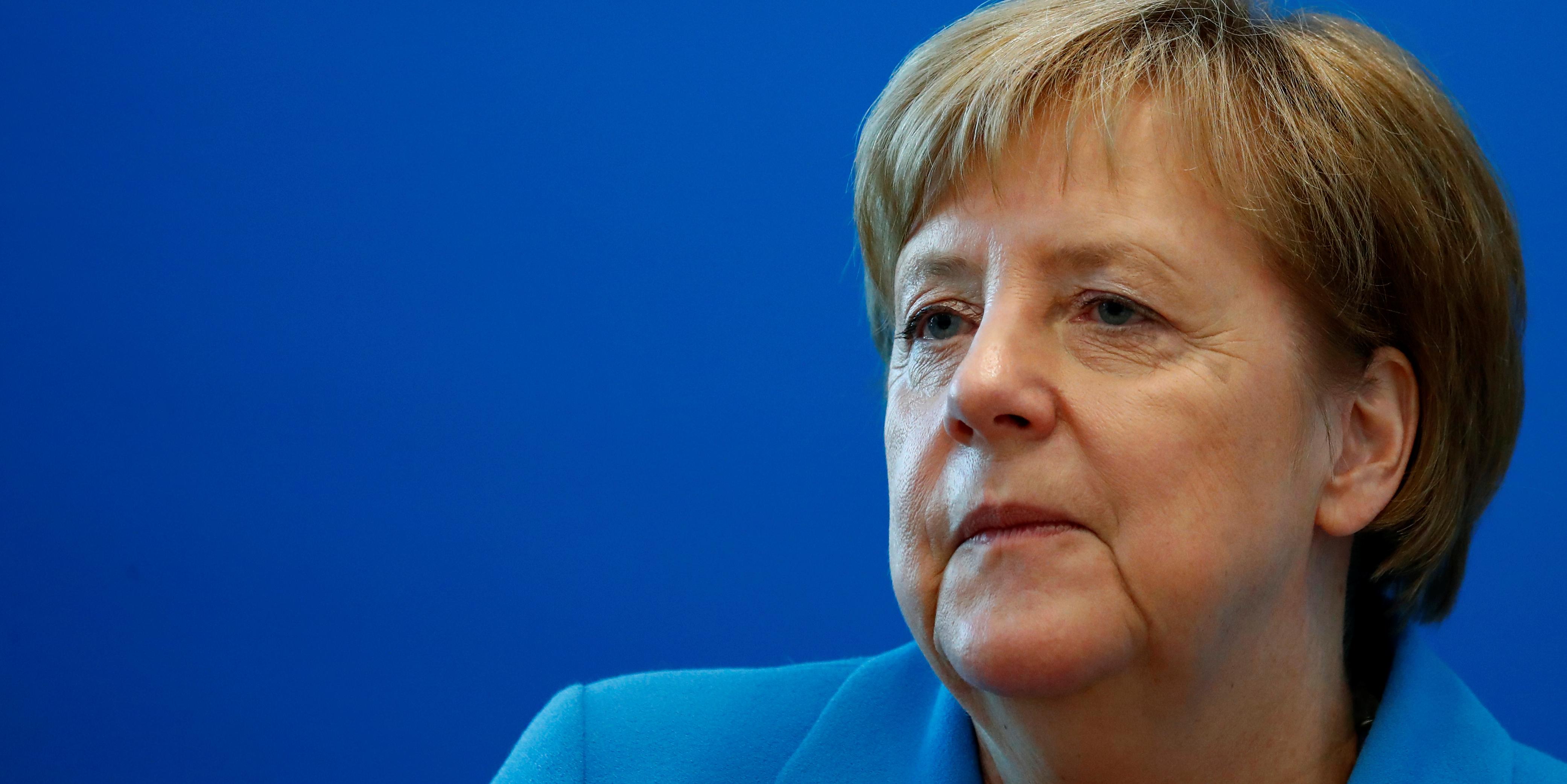19c71657417 Accord migratoire en Allemagne   Merkel sauve sa coalition