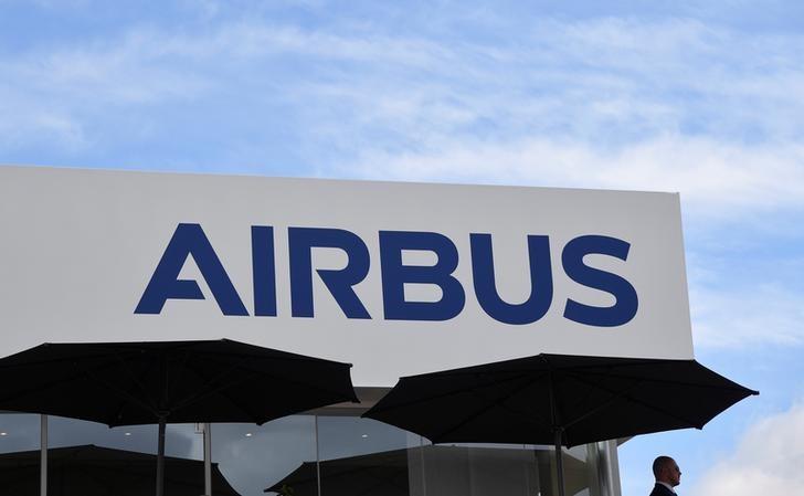 Grand show d'Airbus et de Boeing à Farnborough