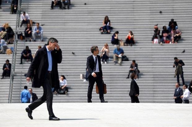 Macron achève bien les cadres
