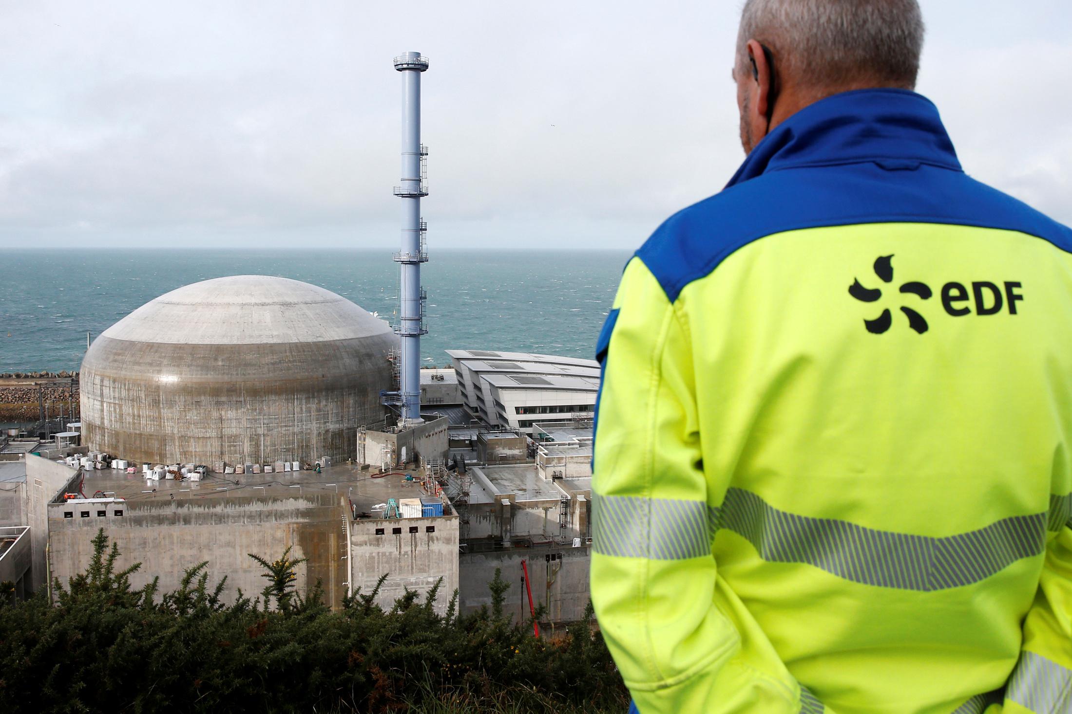 Bruno Le Maire tacle la filière française du nucléaire et annonce un audit indépendant sur l'EPR