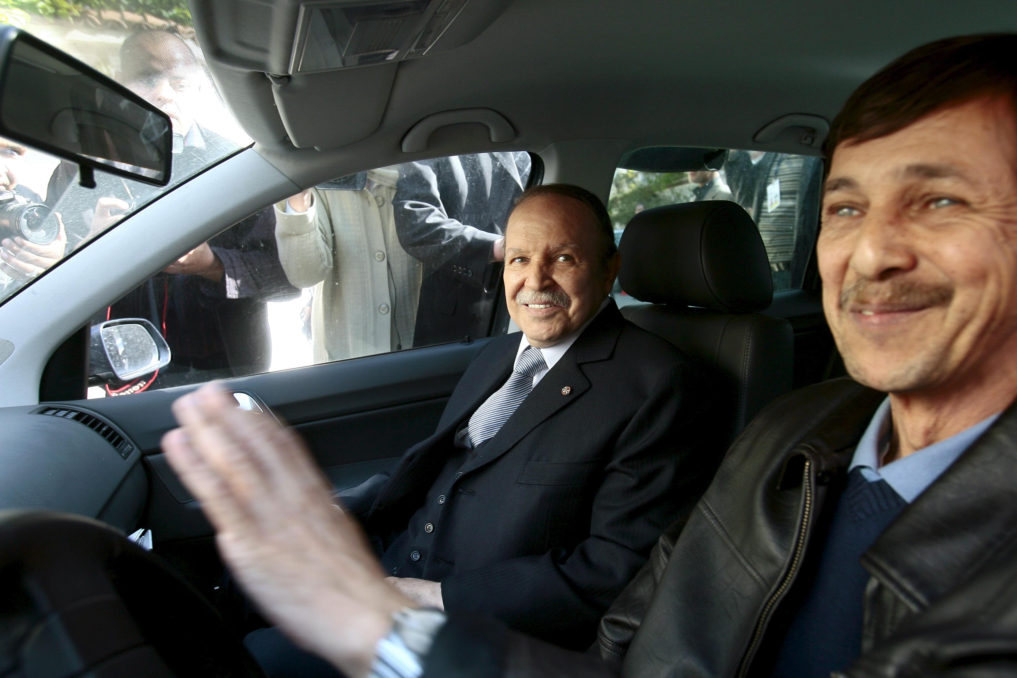 Algérie : que cachent les trois arrestations dans le clan Bouteflika?