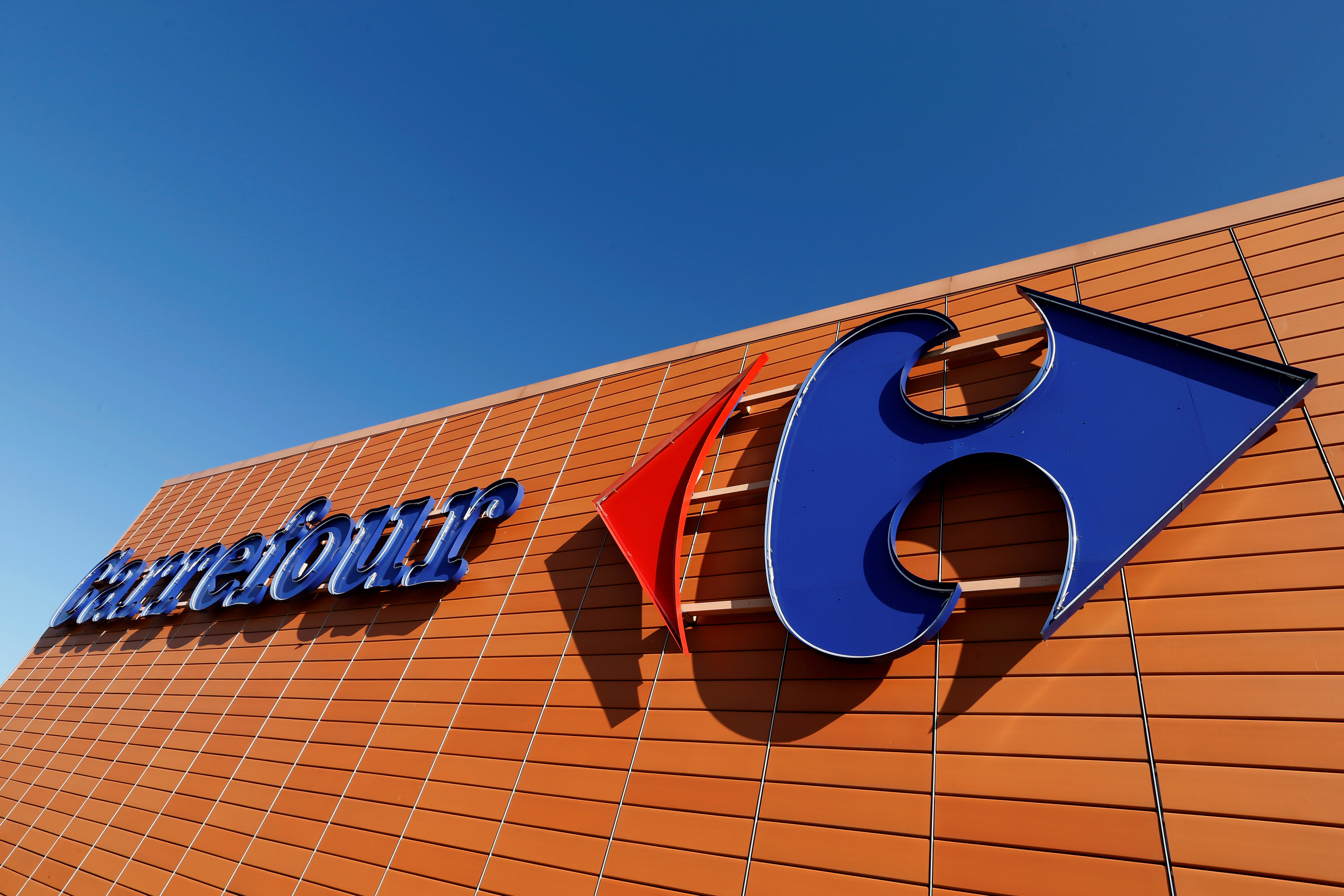 Livraison à domicile : Carrefour s'associe à la start-up Glovo dans quatre pays