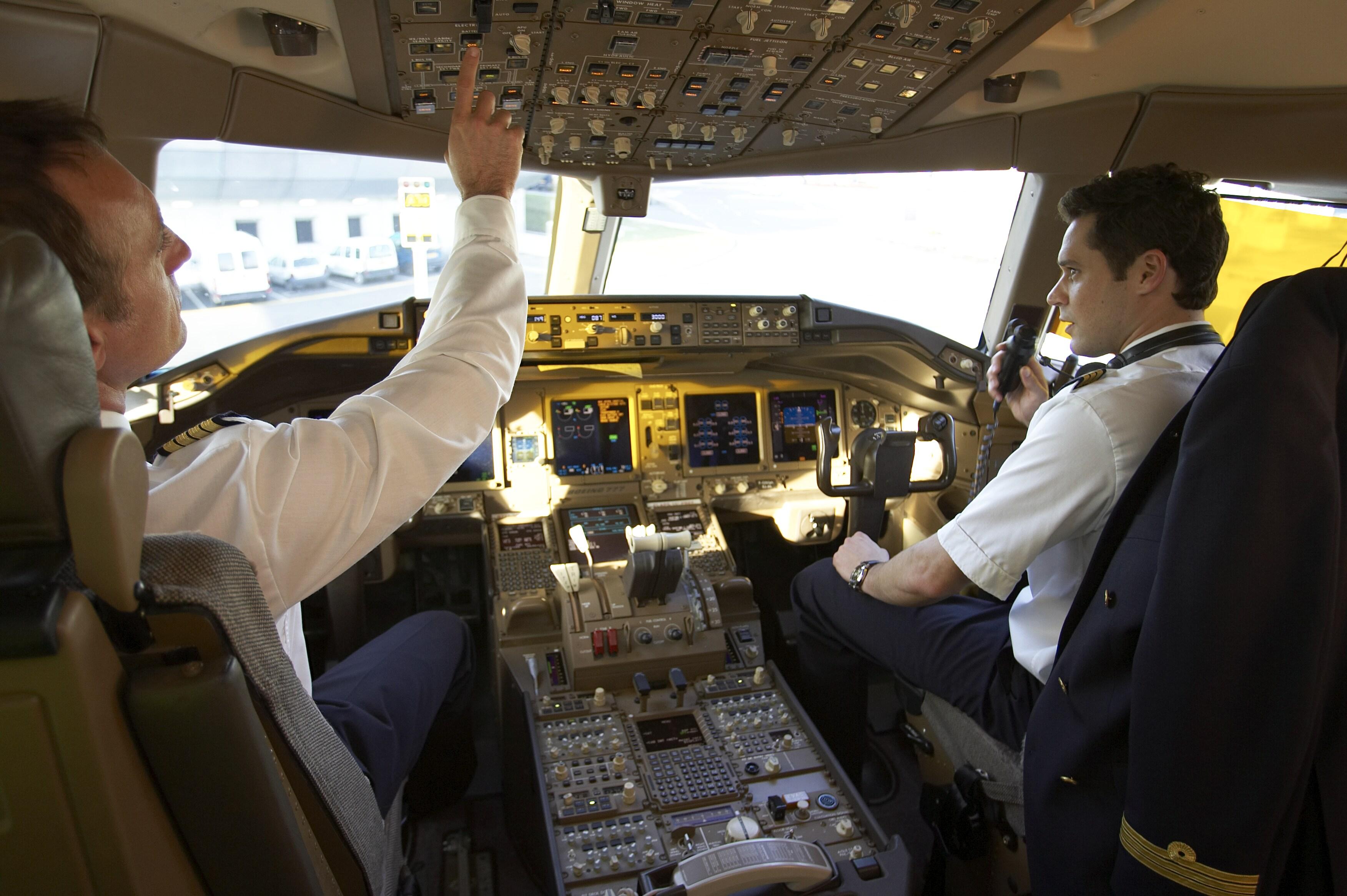 Un seul pilote dans le cockpit des Airbus et des Boeing, est-ce inéluctable?