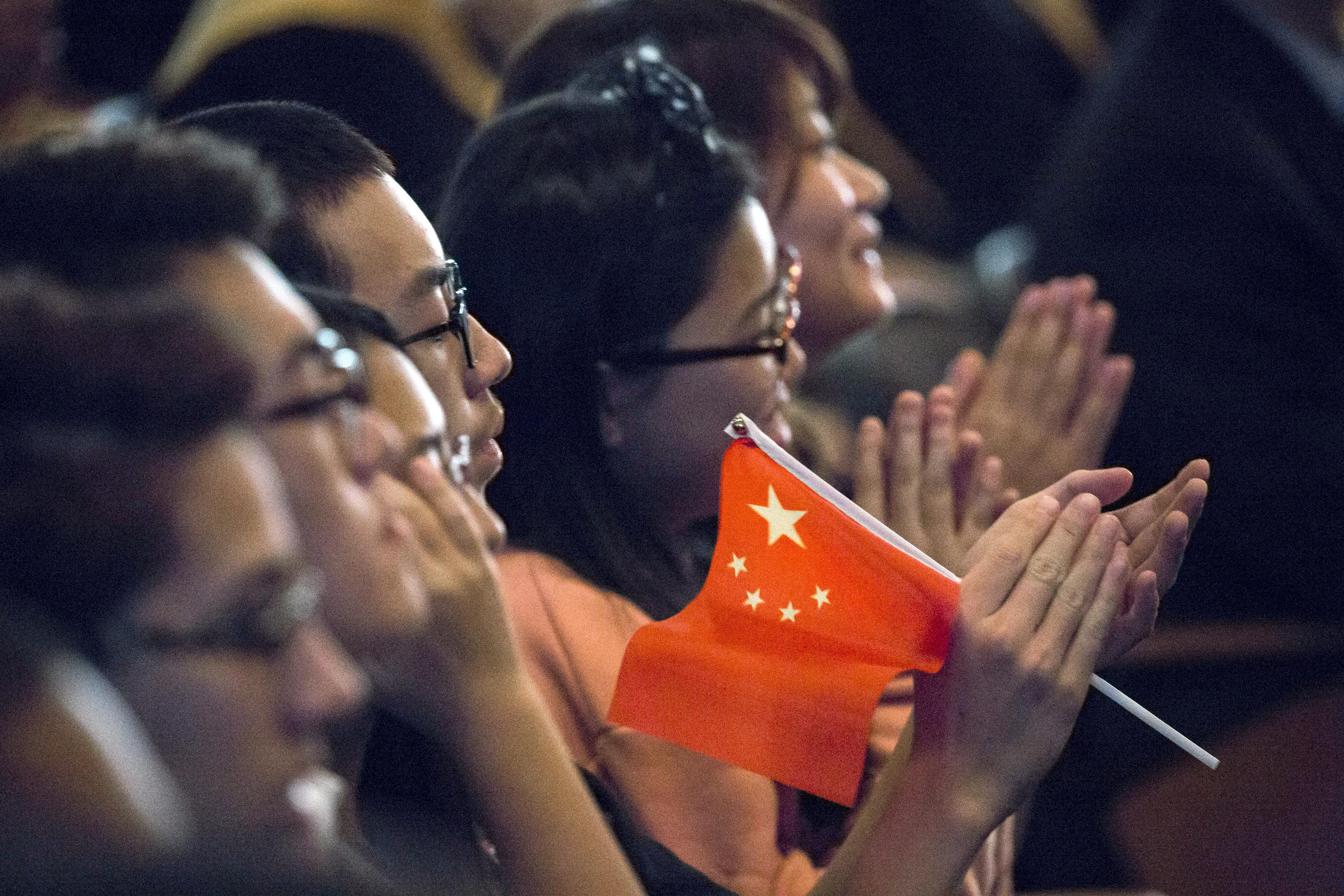 """Espionnage: la Chine appelle à réfléchir aux """"risques"""" avant d'aller étudier aux États-Unis"""