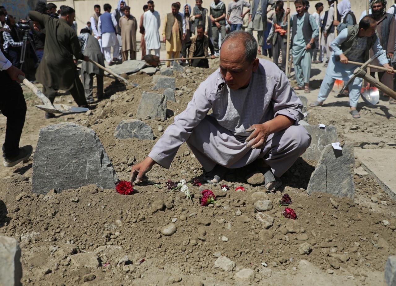 Kaboul: un attentat suicide fait 63 morts et 182 blessés