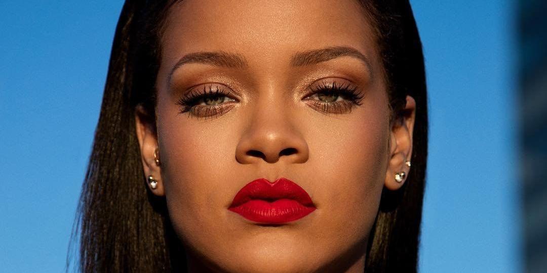 En businesswoman de la mode, Rihanna casse les codes de la fashion-week