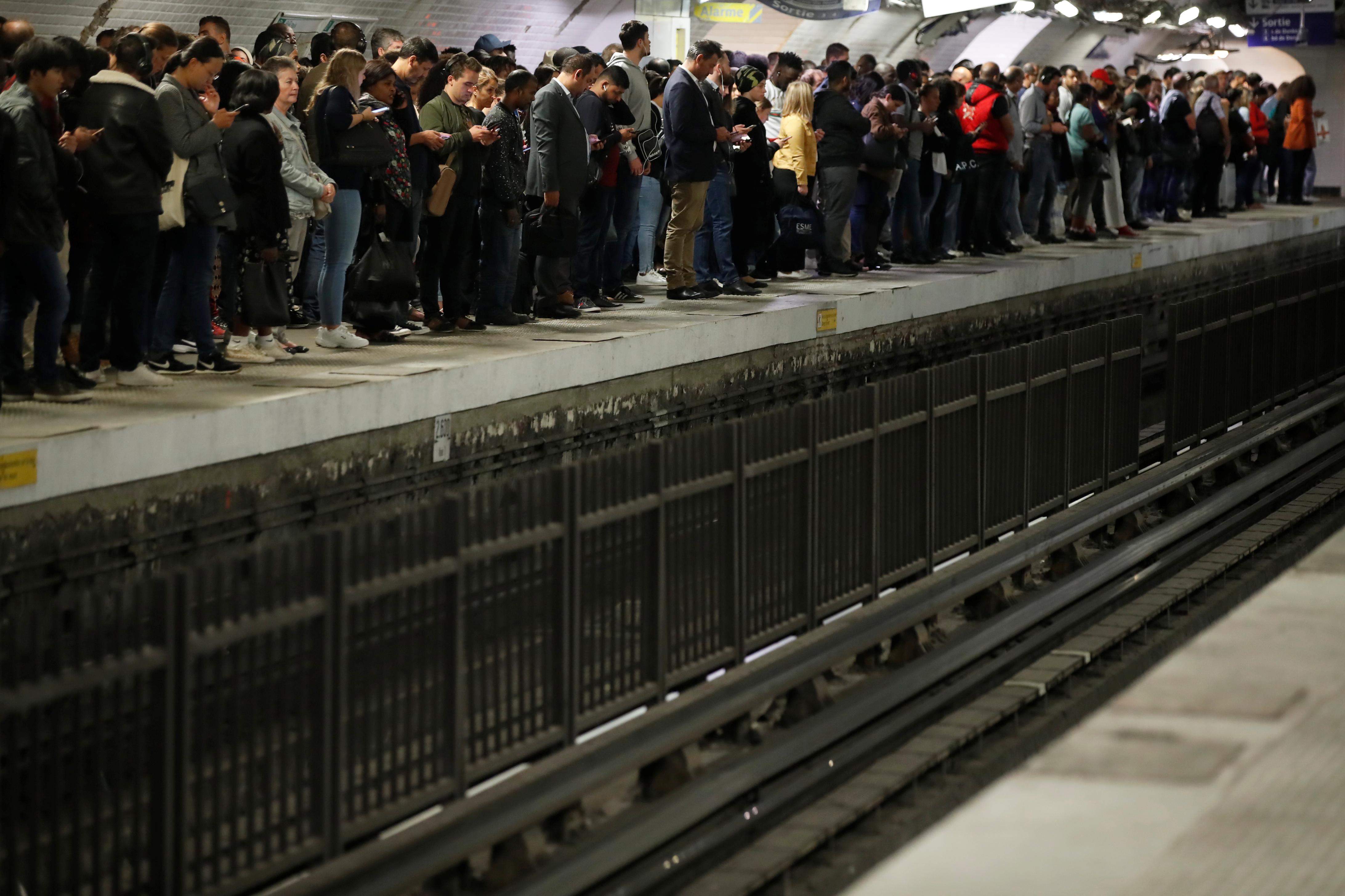 Trafic RATP, SNCF, retour quasi-normal lundi