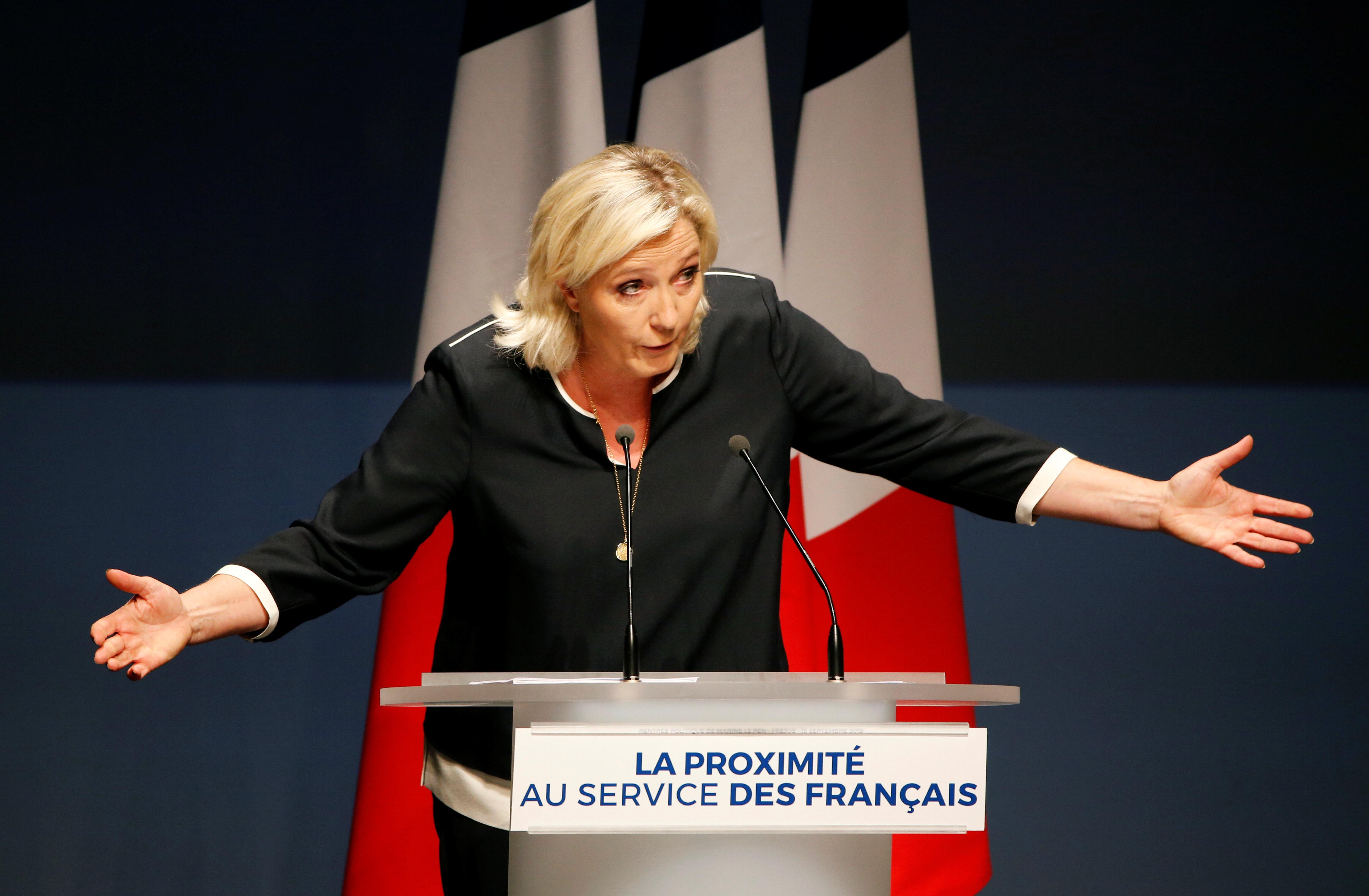 A Fréjus, Le Pen lance les municipales en pensant déjà à la présidentielle