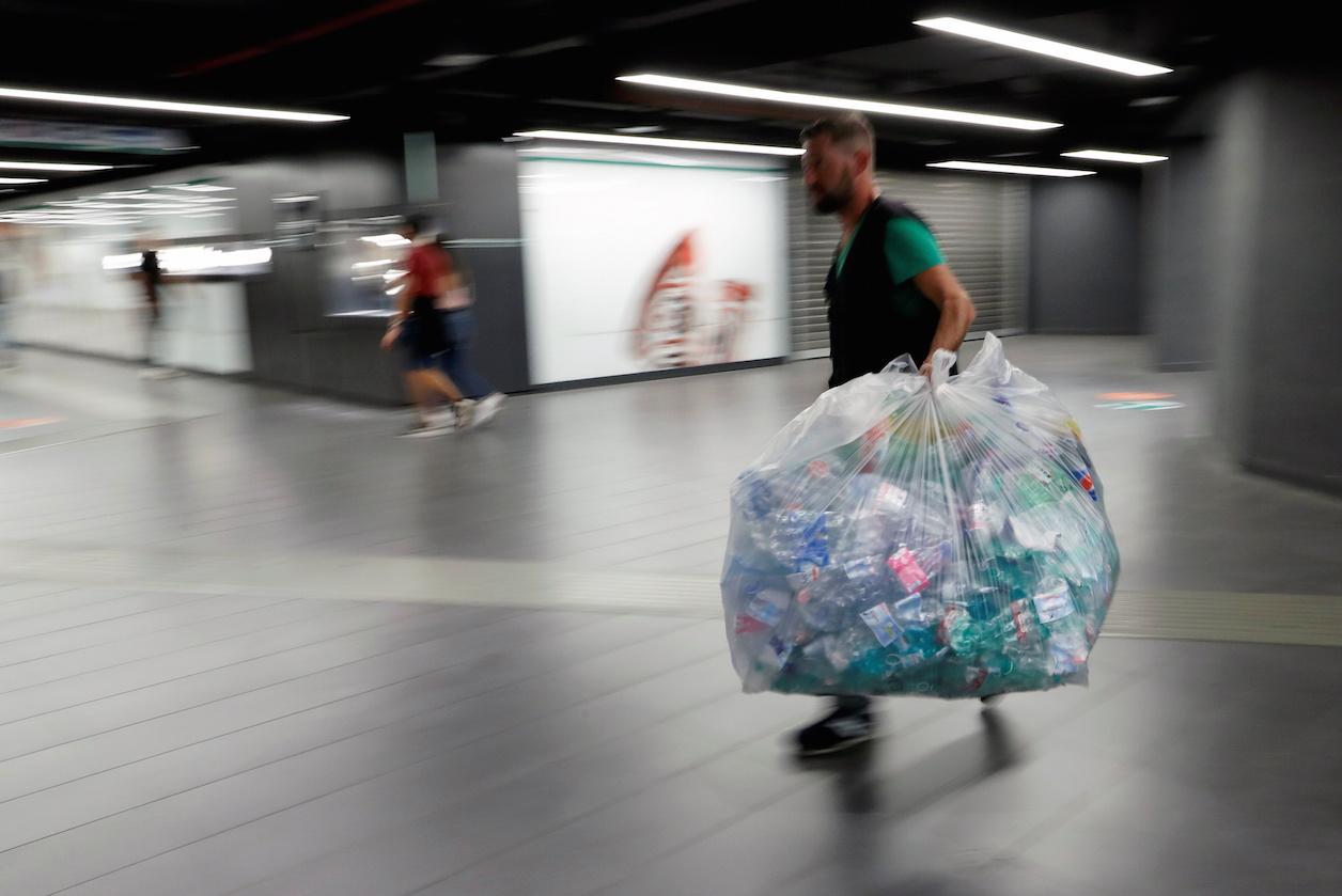 Sortir du plastique, un immense défi