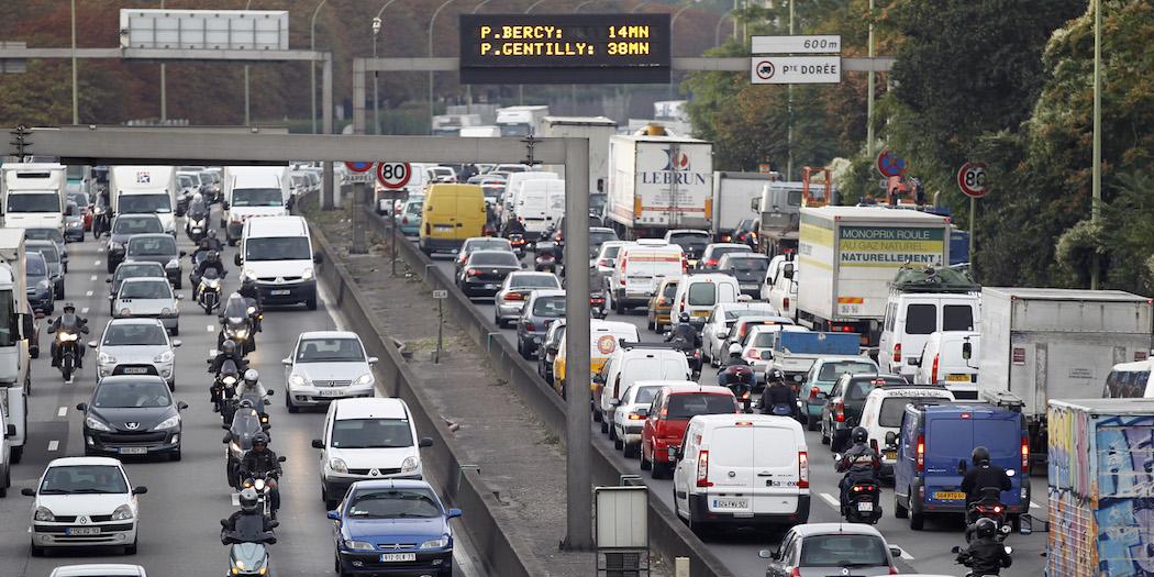 Pourquoi il faut concilier les enjeux environnementaux et de mobilité urbaine à Paris