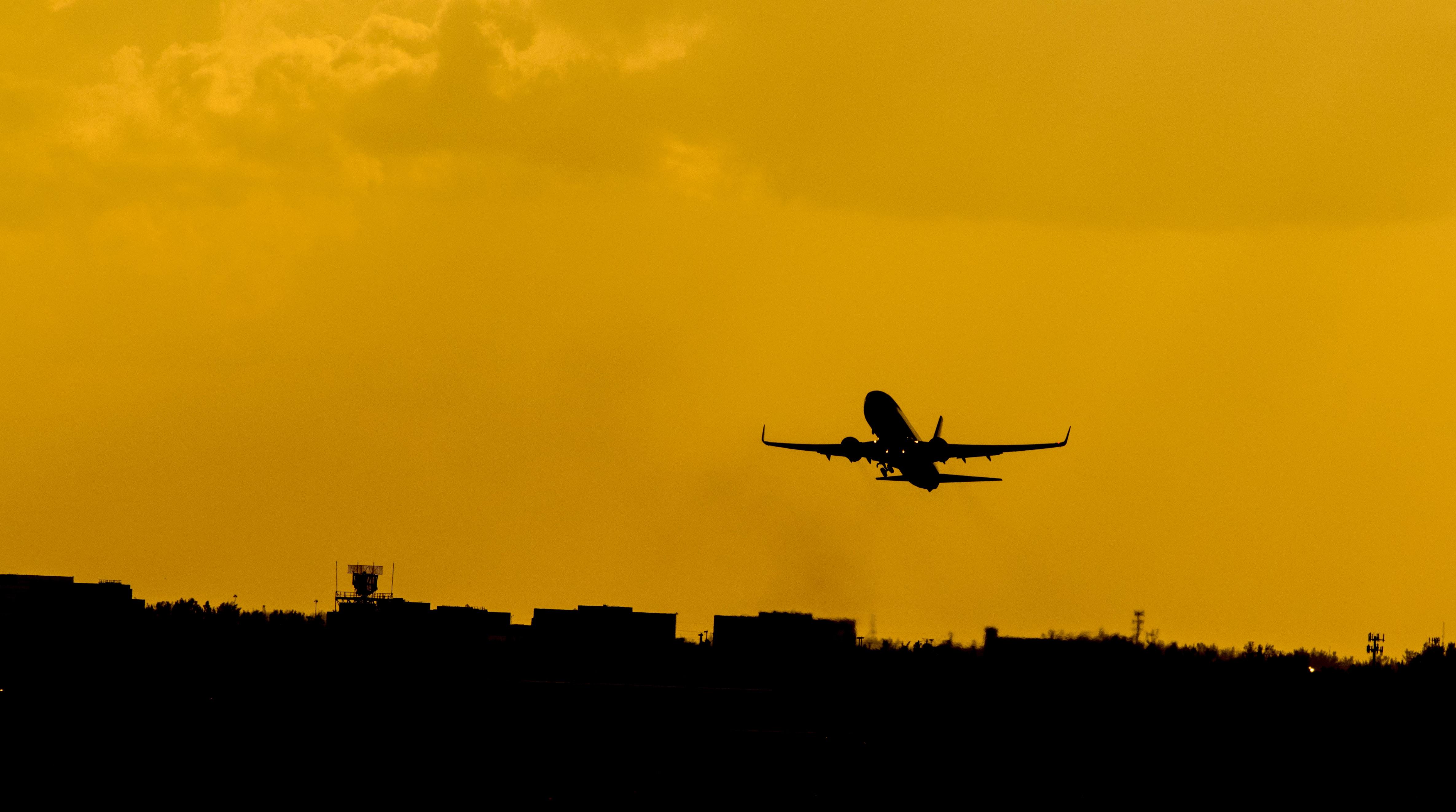 Exclusif : ce que dit vraiment l'étude d'impact sur les propositions de la convention citoyenne pour l'aviation