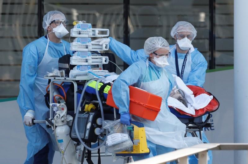 Coronavirus: plus de 30.000 dans le monde, dont 2.300 en France