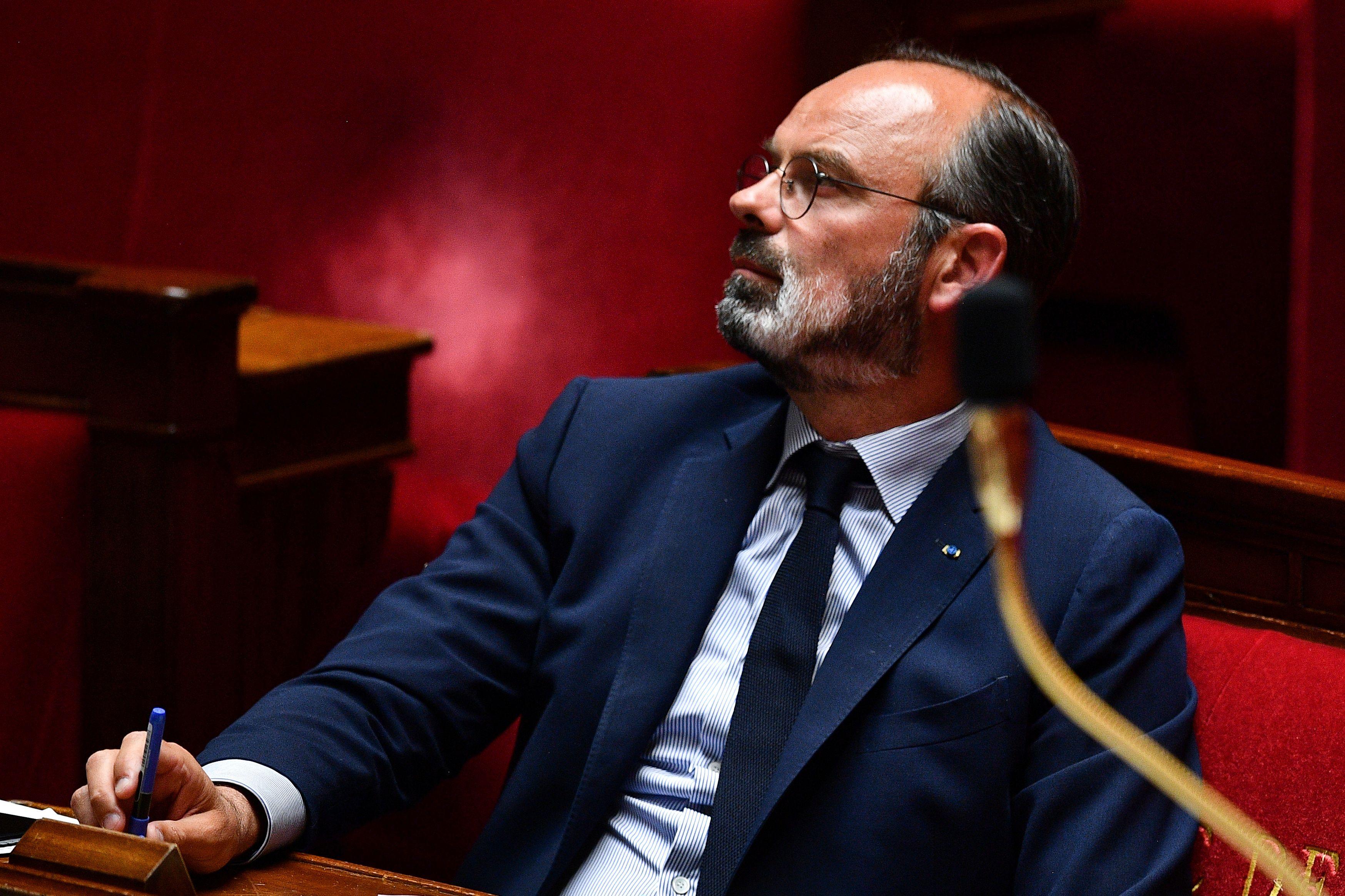 Coronavirus : Edouard Philippe acte la réouverture des cafés et restaurants
