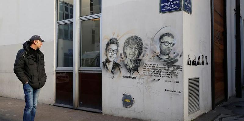 Une attaque à l'arme blanche près des anciens locaux de Charlie Hebdo fait 2 blessés
