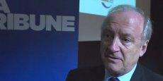 Hubert Védrine, ancien ministre des Affaires étrangères. / La Tribune - Live média