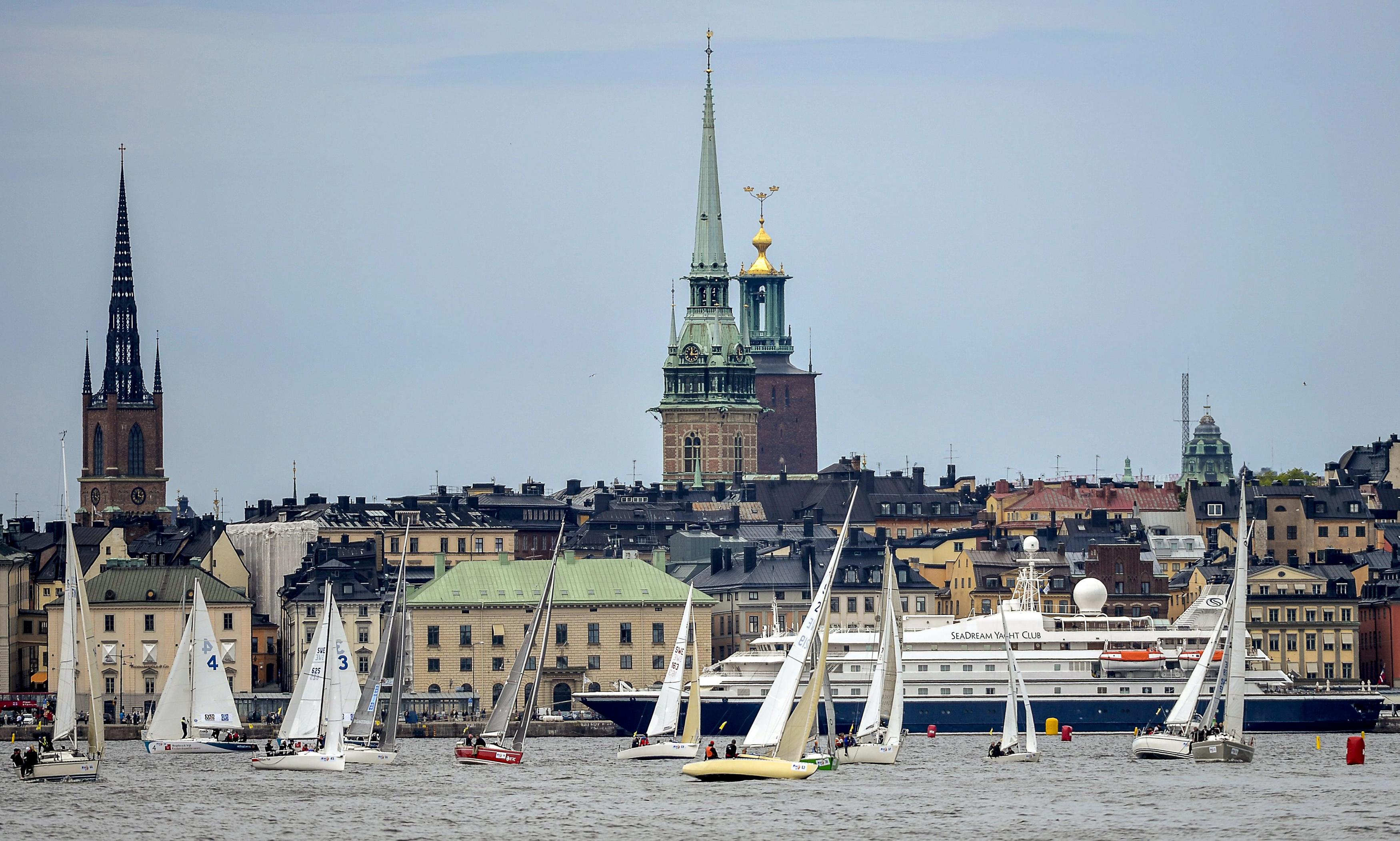 Climat : Stockholm mise sur le charbon végétal et le train