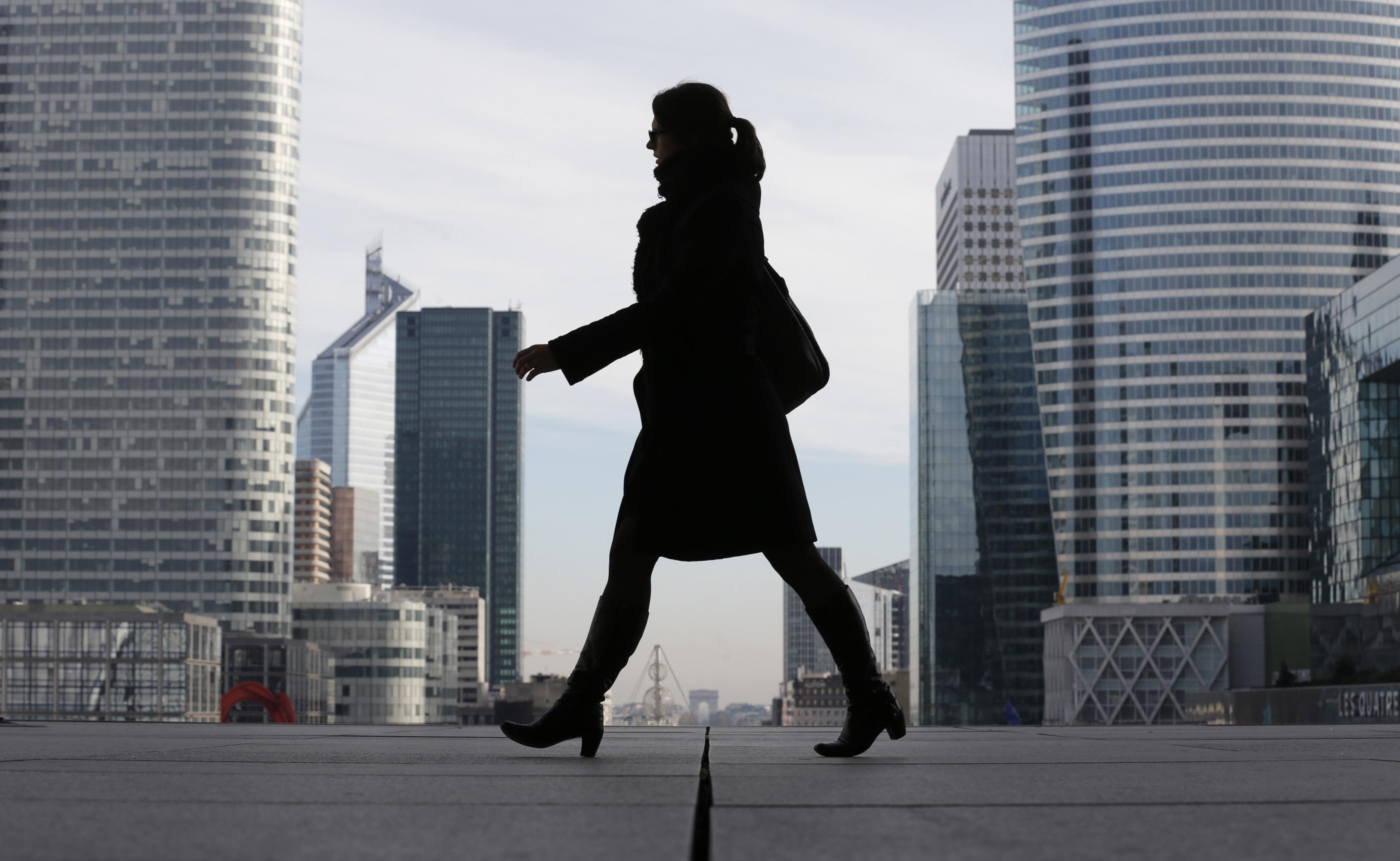 Être en chômage partiel et télétravailler ? «Du travail illégal», met en garde le ministère