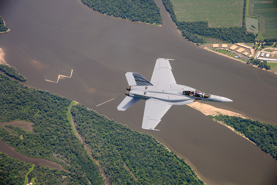 F-18 : Boeing s'est brûlé les ailes au Canada