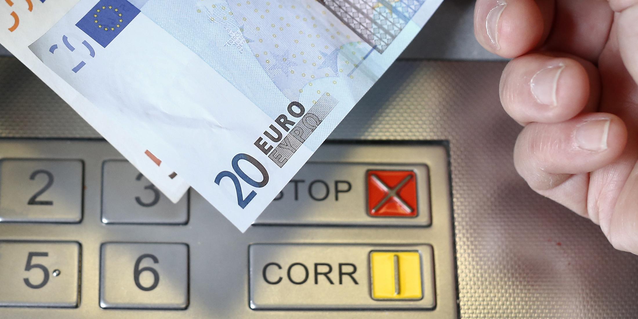 Frais Bancaires La Facture Sera De Presque 200 Euros En 2017