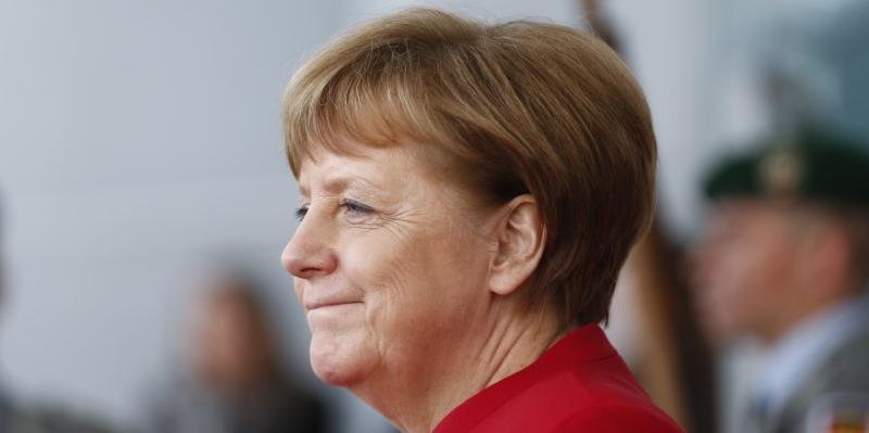Législatives allemandes : la CDU de Merkel creuse l'écart dans les sondages