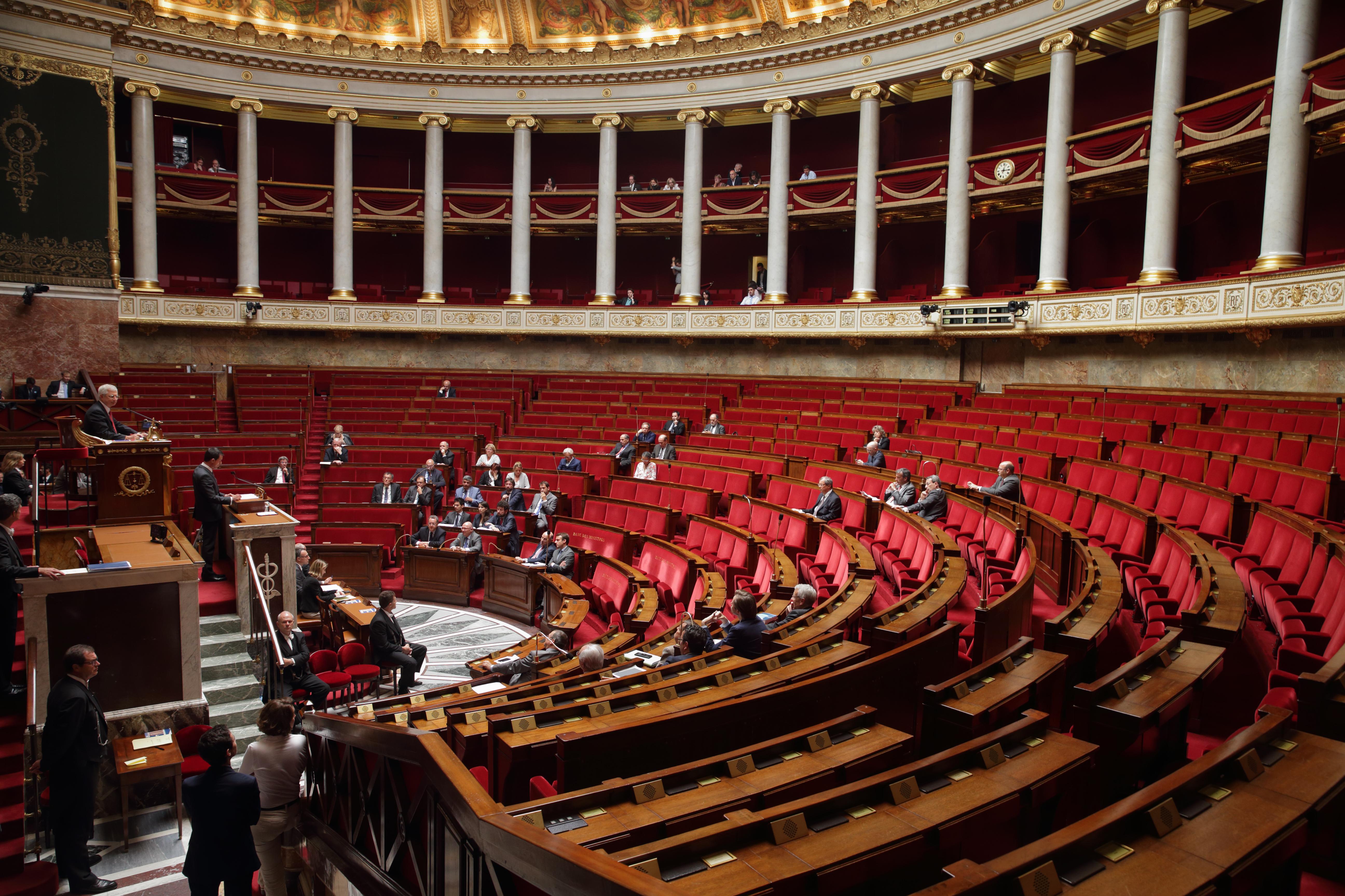 Législatives le myst¨re de la Chambre jaune Macron