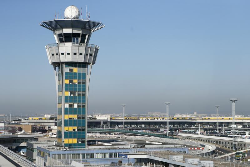 """Air France, Easyjet, Wizzair... Comment les """"slots"""" d'Aigle Azur à Orly ont été distribués"""