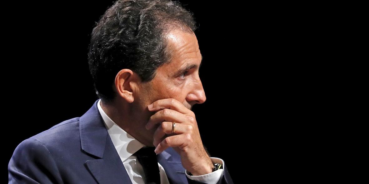SFR met fin à son plan visant à fibrer la France tout seul