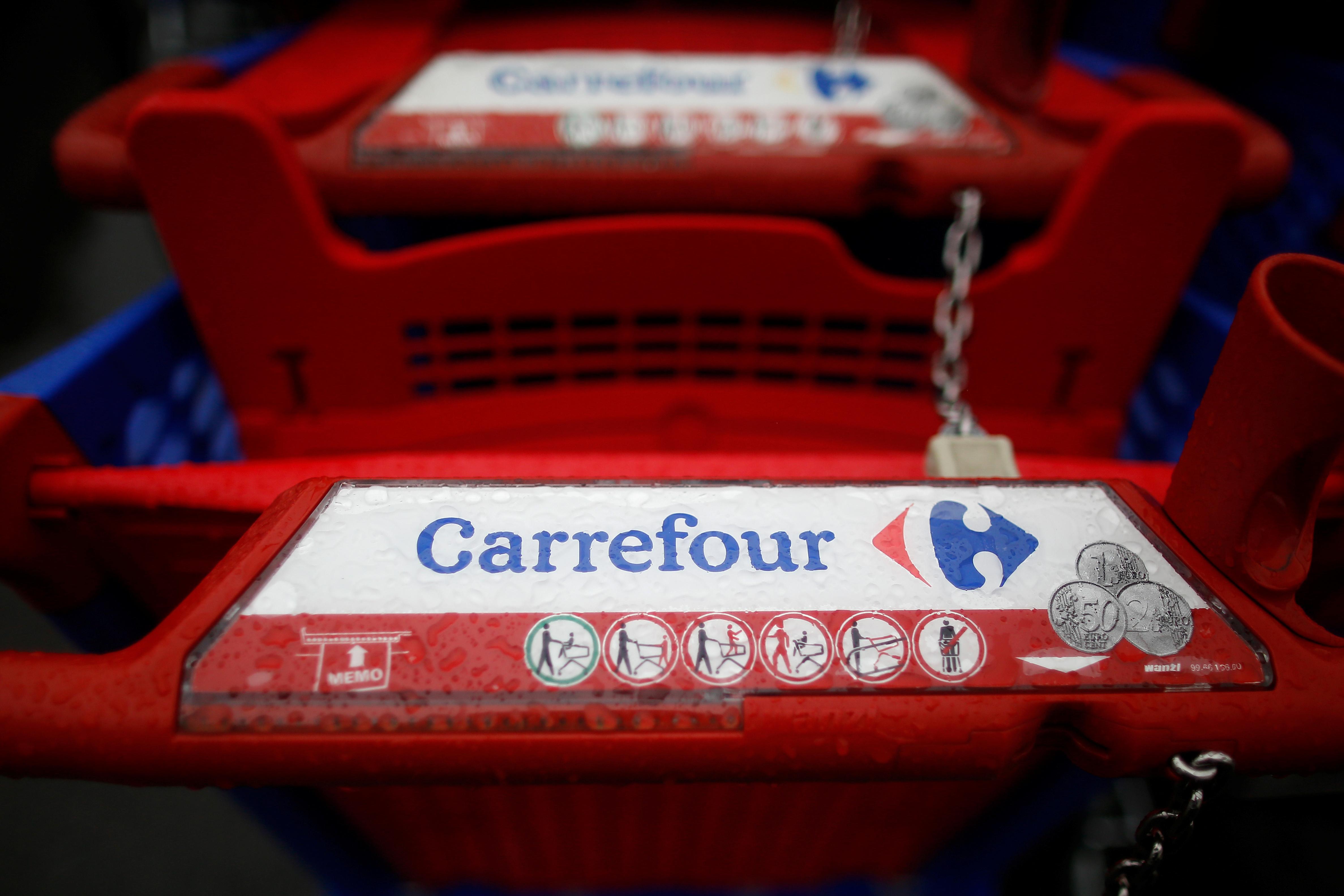 Plan De Départs Volontaires Carrefour Supprime 2400 Postes En France