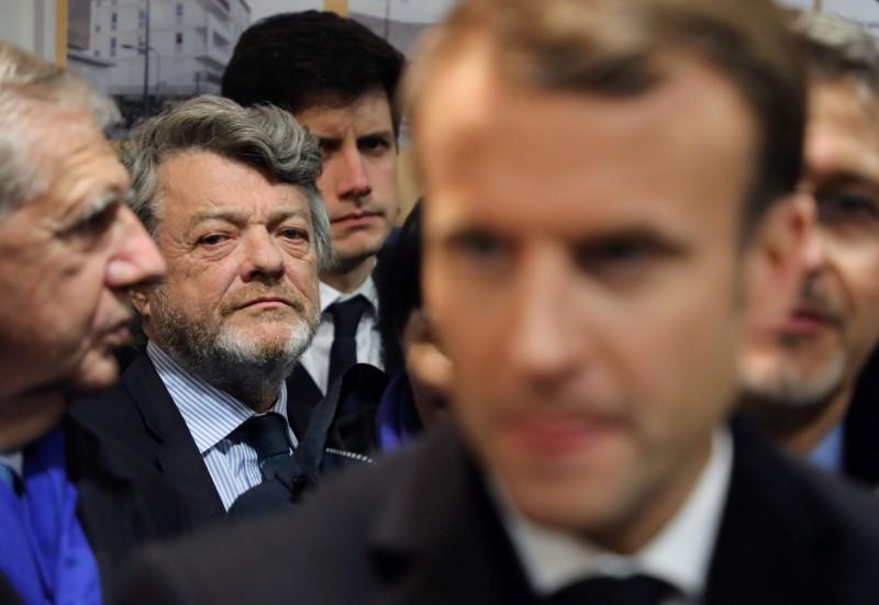 La Tribune, Banlieues : les dix-neuf travaux de Borloo pour réconcilier les Français