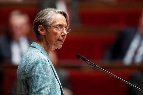 Sncf: elisabeth borne denonce la greve politique de la cgt