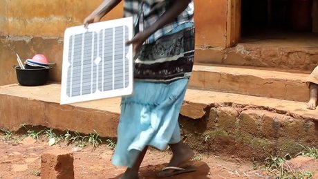 ENEDIS_TRIBUNE_ENERGIE_2018_La maison solaire, une solution innovante pour l'afrique 2