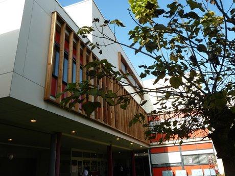 Bordeaux International School