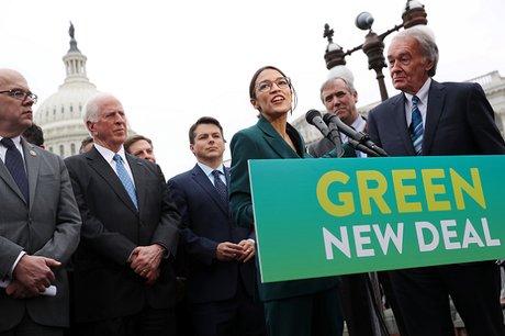 La représentante démocrate Alexandra Ocasio-Cortez présente son Green New Deal, janvier 2019