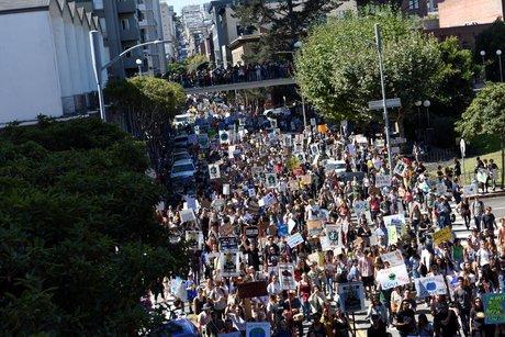 Des millions de jeunes a travers le monde reclament une action pour le climat