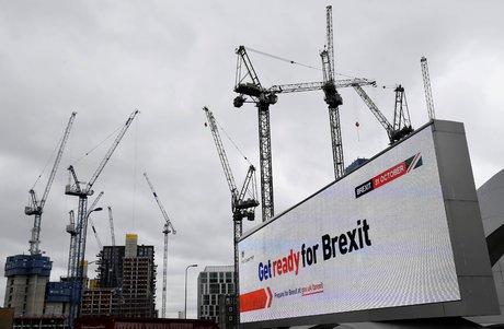Brexit: les banques se preparent en cas de tempete financiere des le 21 octobre