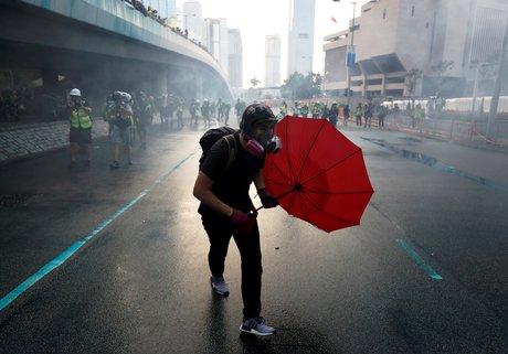 Manifestations a hong kong: des citoyens du belize et de taiwan arretes