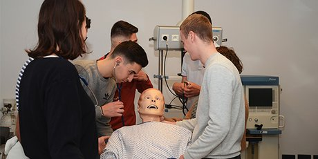 Faculté de médecine de Montpellier : étudiants en situation