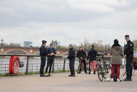Confinement Bordeaux contrôle police
