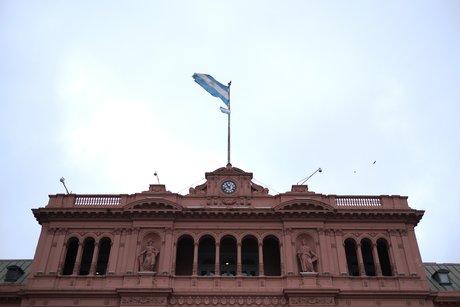 Argentina exige un plazo de un año por un plazo de 2.100 millones de dólares