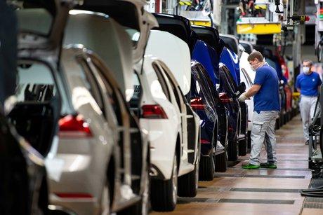Chute record de 78,3% du marche automobile europeen en avril