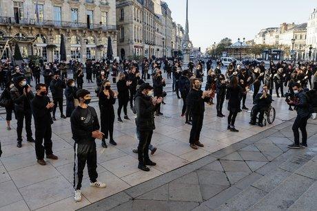 Manifestation métiers non essentiels à Bordeaux