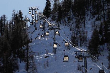 France: les remontees mecaniques des stations de ski ne rouvriront sans doute pas de la saison