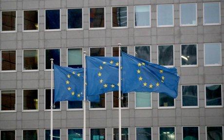 La Unión Europea sigue ejerciendo presión sobre las entregas de la vacuna Covid