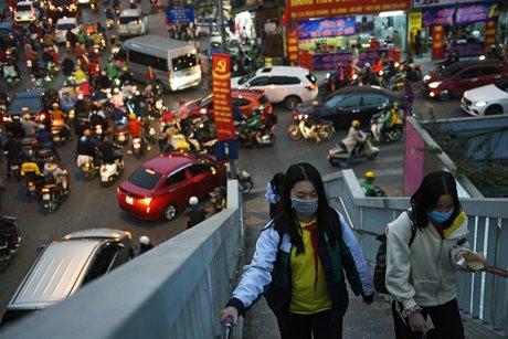 Le vietnam approuve le vaccin astrazeneca, le congres du pc ecourte