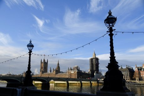 Londres accepte de prolonger le delai de ratification de l'accord post-brexit