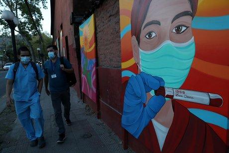 Coronavirus: le chili franchit le million d'infections, ferme ses frontieres