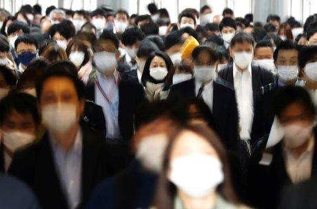 Coronavirus: tokyo va demander des mesures d'urgence pour endiguer la hausse des cas