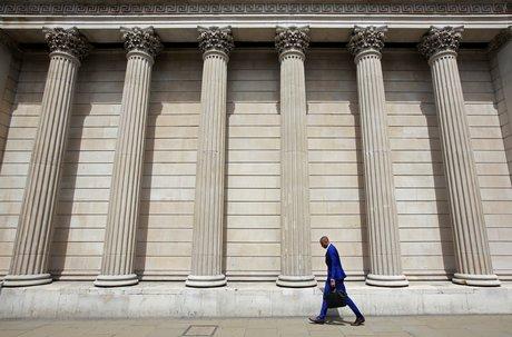 La banque d'angleterre devrait relever ses taux en 2022, selon vlieghe